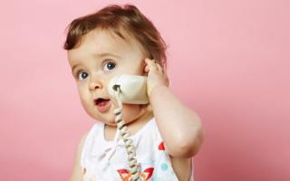 Почему ребенок в 1 год не говорит, а мычит: как помочь малышу