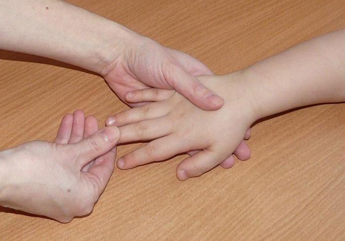 Массаж пальчиков