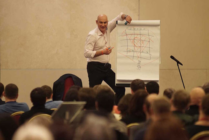 Как самостоятельно развить ораторские способности